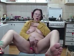 SEXY GRANNY LUDMILA on Webcam