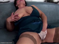 Old mature moms fisted by young lesbian girls