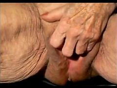 Granny Rubbing Her Wrinkled Pussy